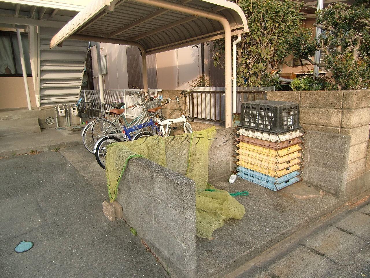 駐輪場・ゴミ集積所