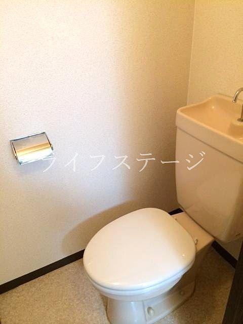 温水暖房便座が必要な場合でもコンセント完備